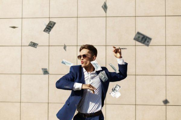 درآمد دلاری سرمایه گذاری موفق